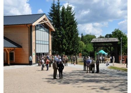 Pawilon Edukacyjny w Rezerwacie Pokazowym Żubrów